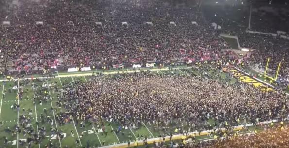 Hawkeyes Fans Storm Field