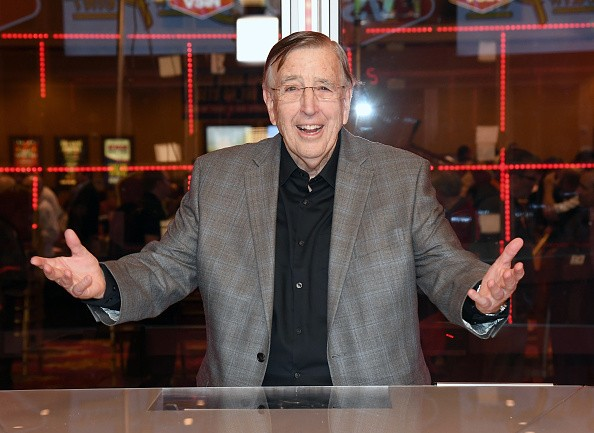 Brent Musburger Calls Out