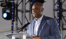 Warren Moon's Assistant Sues Him For Sexual Assault; Made Her Wear Thongs & Sleep In His Bed