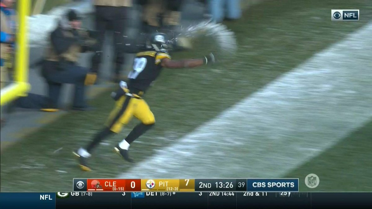 Steelers Juju Smith Schuster >> Total Pro Sports JuJu Smith-Schuster Throws Actual Snowball At Martavis Bryant After Scoring TD ...