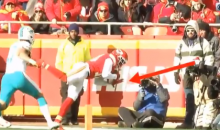 Tyreek Hill Makes Incredible TD Catch & Was Somehow Ruled No Catch By Refs (VIDEO)