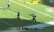 Jags' Telvin Smith Points At Le'Veon Bell After Picking Up Fumble & Scoring (VIDEO)