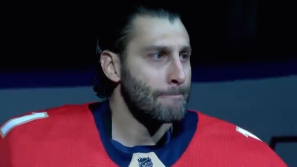 'Enough is enough': Roberto Luongo delivers emotional speech for Parkland shooting victims
