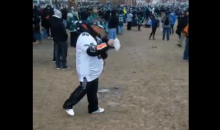 Eagles Fan Travels From Tampa To Philly To Spread Grandfather's Ashes At Super Bowl Parade (VIDEO)