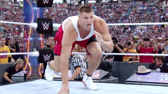 WWE Willing to Offer Rob Gronkowski Similar Deal to Ronda Rousey's