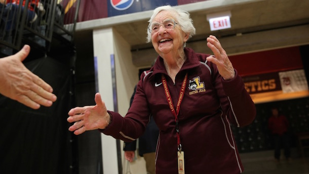 Total Pro Sports Meet Sister Jean, Loyola Chicago's 98 ...