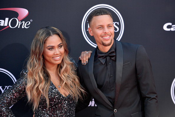 Stephen Curry defends wife's Houston restaurant