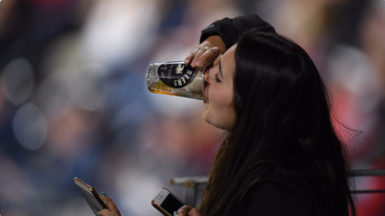 What a play! Fan grabs foul ball in cup, chugs the beer