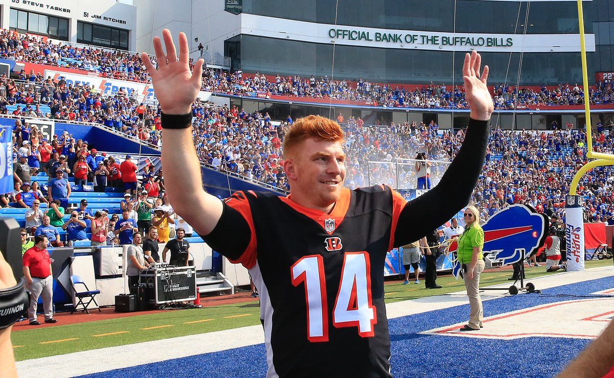 Buffalo Bills Fans Give Andy Dalton A Huge Standing Ovation Before Preseason Game (VIDEO ...