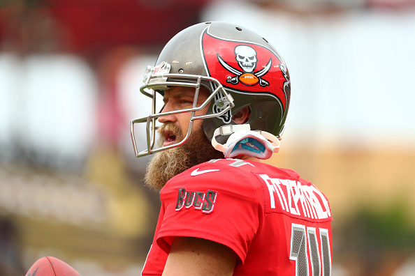 Ryan Fitzpatrick agrees to two-year contract with Dolphins