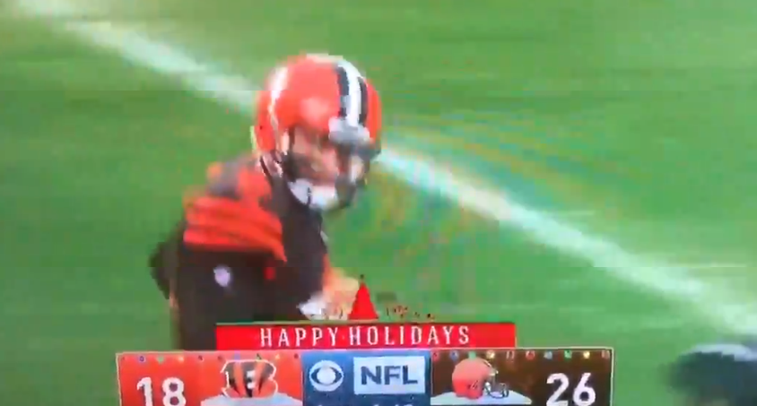 Baker Mayfield stares down Hue Jackson to taunt him after season sweep