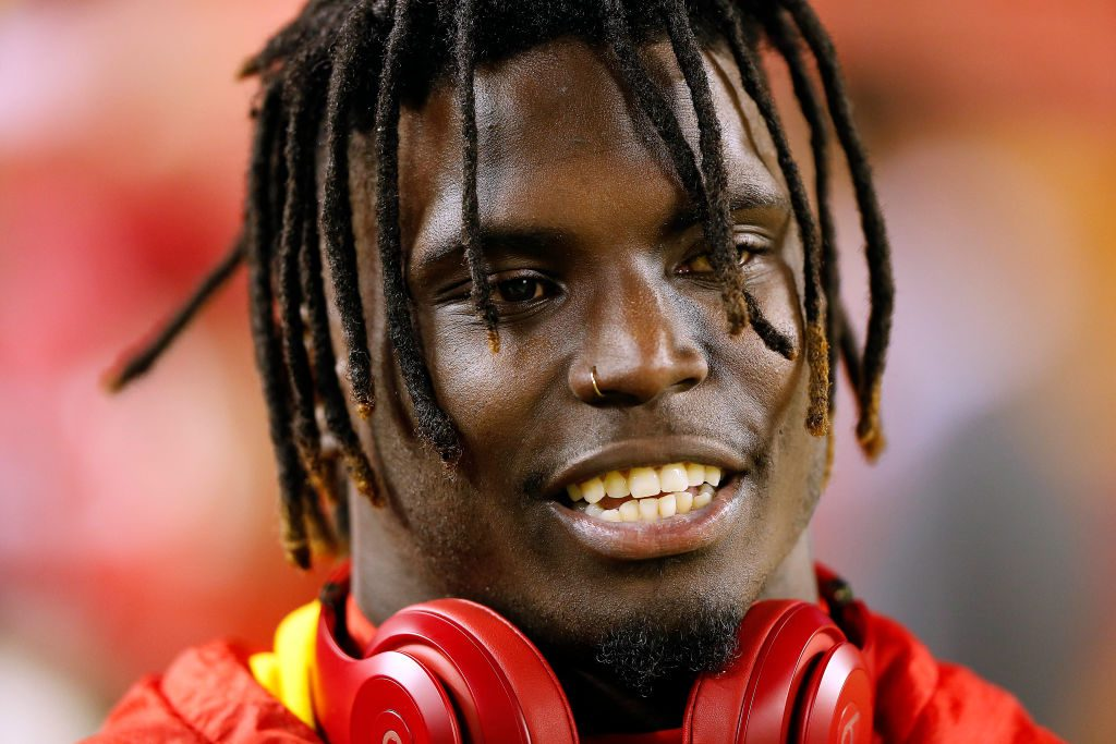 Chiefs' Hill linked to domestic battery case in suburban Kansas City
