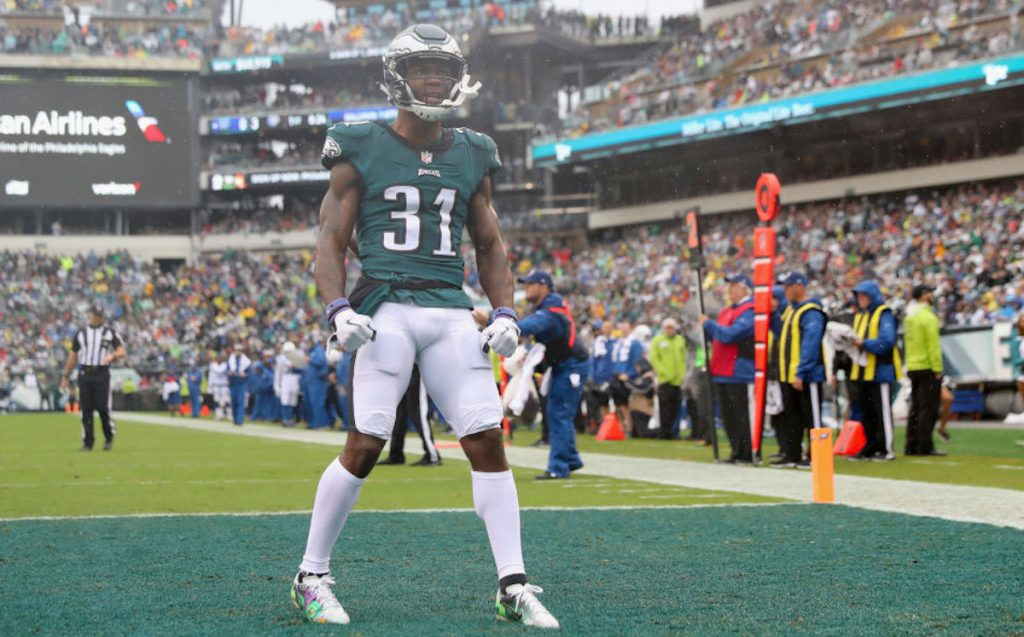 Eagles' Mills, Wizards' Robinson arrested after fight