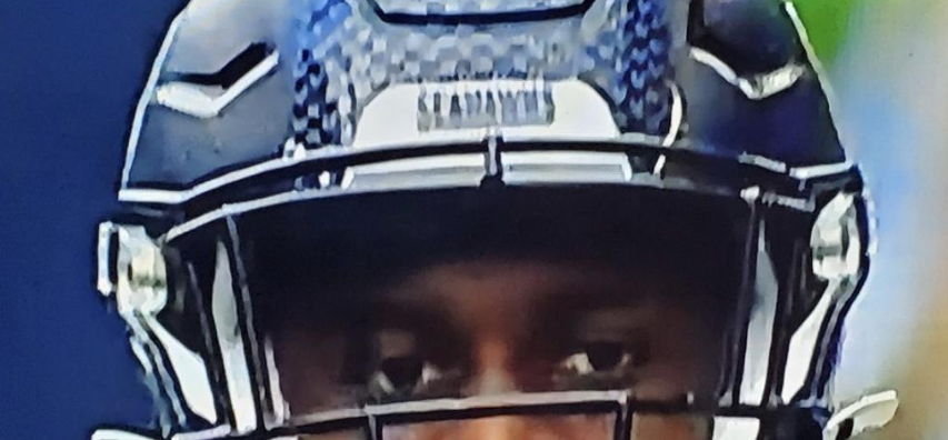 Seahawks D K Metcalf Has An Actual Pacifier As A Mouthpiece During Game Pic Total Pro Sports