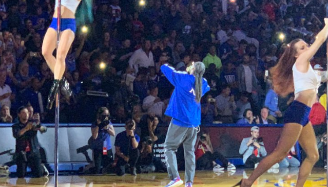 Kansas apologizes for Snoop Dogg show at basketball kickoff
