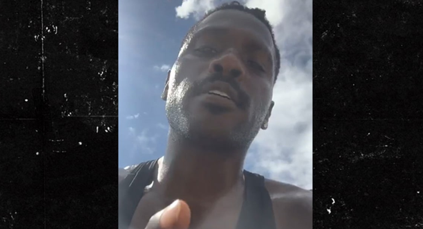 Antonio Brown's Latest Instagram Post Indicates He Really Misses Football