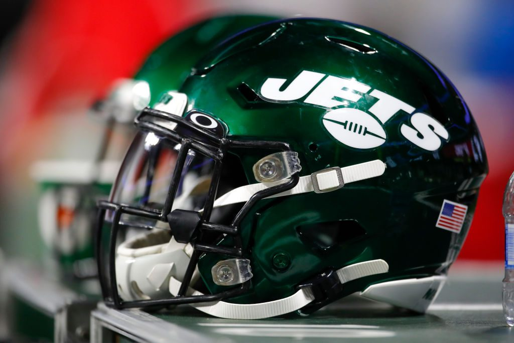 NFLPA investigating security cameras in New York Jets locker room, source says