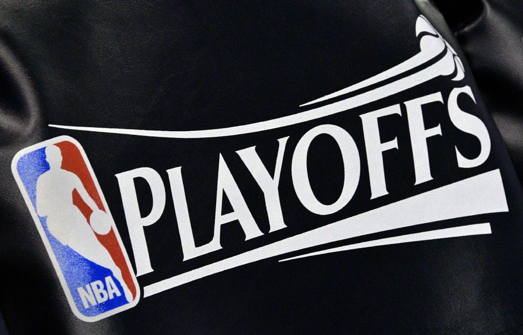Kenny Smith Calls For NCAA Tournament-Style NBA Postseason