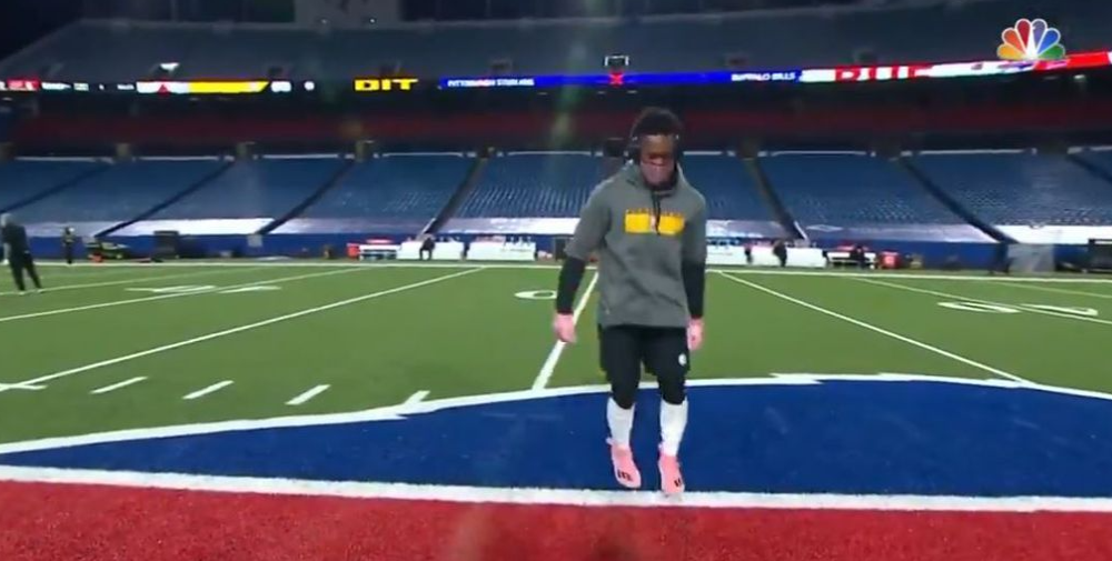 JuJu Smith-Schuster says he'll stop dancing on opposing team logos