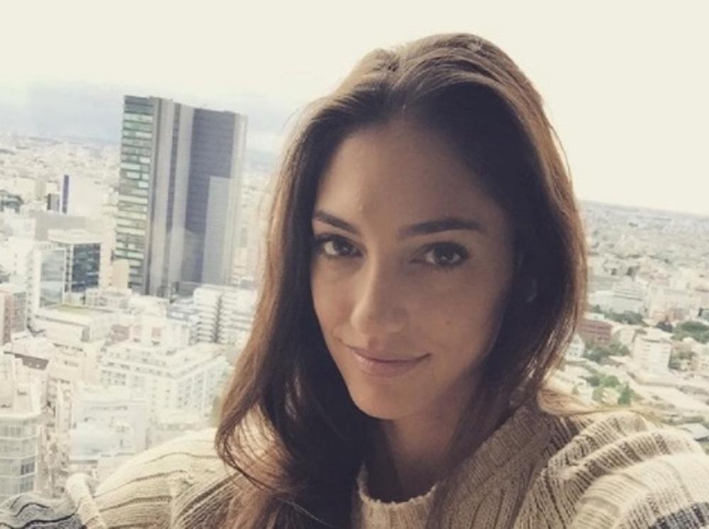 Allison Stokke pole vaulter selfie