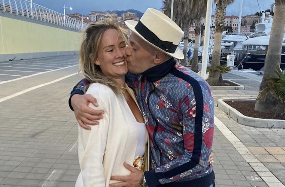Dee Devlin kiss